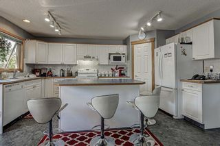 Photo 3: 143 Edgeridge Close NW in Calgary: Edgemont Detached for sale : MLS®# A1133048