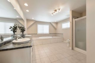 Photo 34: 1197 HOLLANDS Way in Edmonton: Zone 14 House for sale : MLS®# E4242698