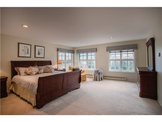 Photo 5: Photos: 4220 Starlight Way in North Vancouver: Upper Delbrook House for sale : MLS®# v1079788