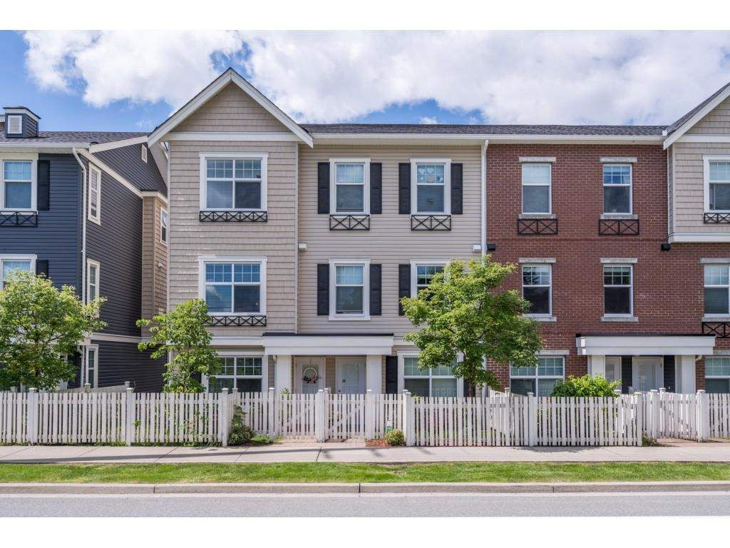 """Main Photo: 105 32789 BURTON Avenue in Mission: Mission BC Townhouse for sale in """"SILVER CREEK"""" : MLS®# R2582056"""