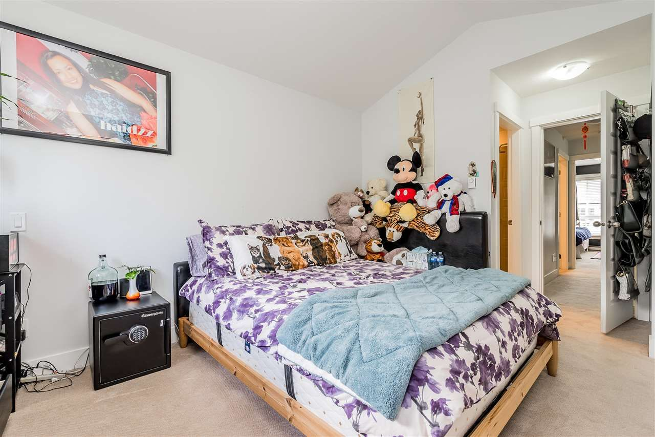 """Photo 15: Photos: 23 14433 60 Avenue in Surrey: Sullivan Station Townhouse for sale in """"BRIXTON"""" : MLS®# R2463220"""