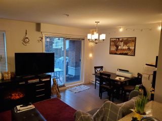 "Photo 5: 318 13883 LAUREL Drive in Surrey: Whalley Condo for sale in ""Emerald Heights"" (North Surrey)  : MLS®# R2430952"