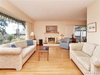Photo 2: 3528 Plymouth Rd in VICTORIA: OB Henderson House for sale (Oak Bay)  : MLS®# 696453