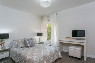 """Photo 16: 302 1720 W 12TH Avenue in Vancouver: Fairview VW Condo for sale in """"TWELVE PINES"""" (Vancouver West)  : MLS®# R2079599"""