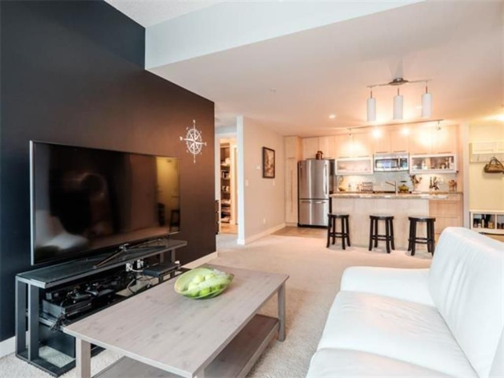 Main Photo: 204 215 13 Avenue SW in Calgary: Beltline Apartment for sale : MLS®# A1125770