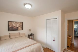 Photo 22: 127 Wedgewood Drive SW in Calgary: Wildwood Detached for sale : MLS®# A1056789