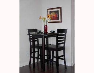 """Photo 6: 1005 1068 W BROADWAY BB in Vancouver: Fairview VW Condo for sale in """"THE ZONE"""" (Vancouver West)  : MLS®# V797290"""