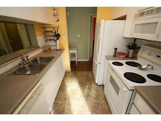 "Photo 11: 205 8420 JELLICOE Street in Vancouver: Fraserview VE Condo for sale in ""BOARDWALK"" (Vancouver East)  : MLS®# V1090998"