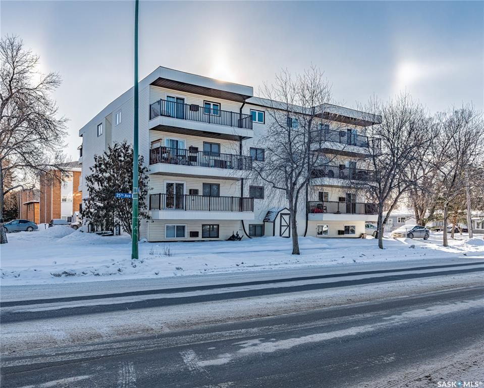 Main Photo: 102 3810 Robinson Street in Regina: Parliament Place Residential for sale : MLS®# SK841281
