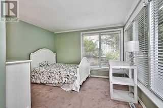 Photo 18: 379 LAKESHORE RD W in Oakville: House for sale : MLS®# W5399645