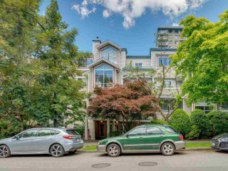 """Photo 3: 207 1465 COMOX Street in Vancouver: West End VW Condo for sale in """"Brighton Court"""" (Vancouver West)  : MLS®# R2594193"""