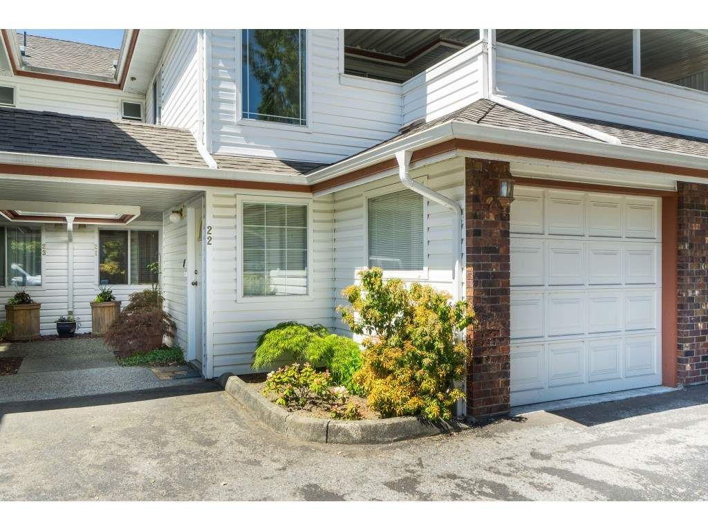 """Main Photo: 21 22128 DEWDNEY TRUNK Road in Maple Ridge: West Central Townhouse for sale in """"Dewdney Place"""" : MLS®# R2367027"""