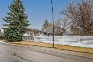 Photo 4: 6123 34 Street SW in Calgary: Lakeview Detached for sale : MLS®# A1104581