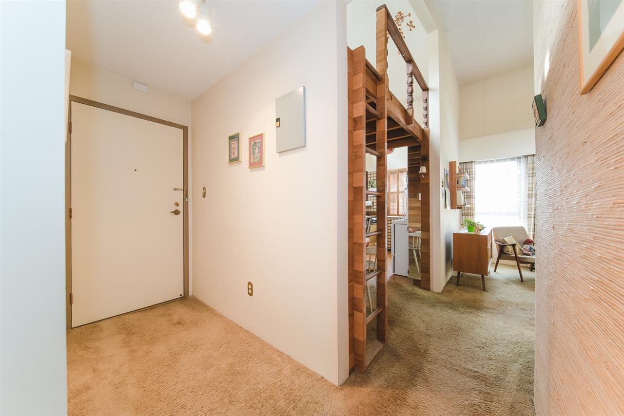 """Photo 2: Photos: 406 1435 NELSON Street in Vancouver: West End VW Condo for sale in """"WESTPORT"""" (Vancouver West)  : MLS®# R2405328"""