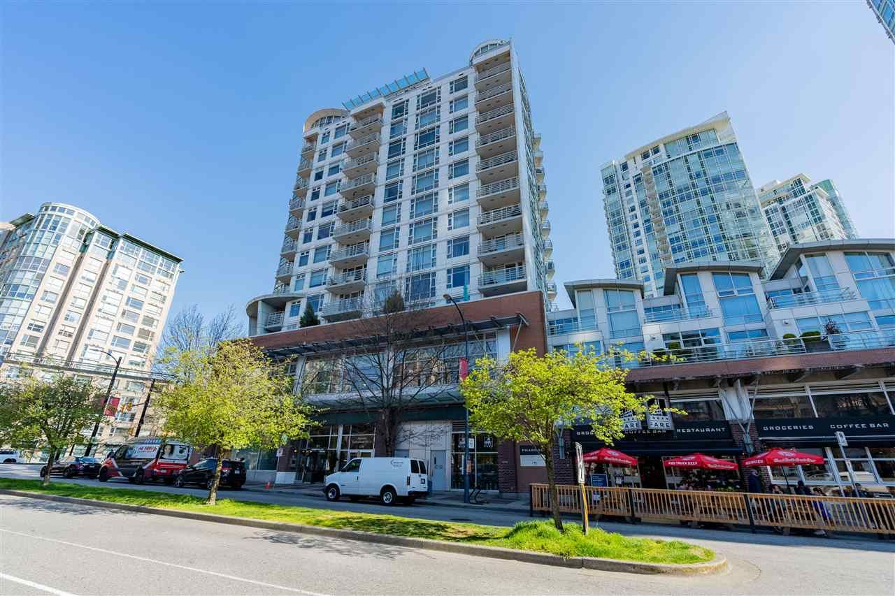 "Main Photo: 1108 189 DAVIE Street in Vancouver: Yaletown Condo for sale in ""Aquarius III"" (Vancouver West)  : MLS®# R2568872"