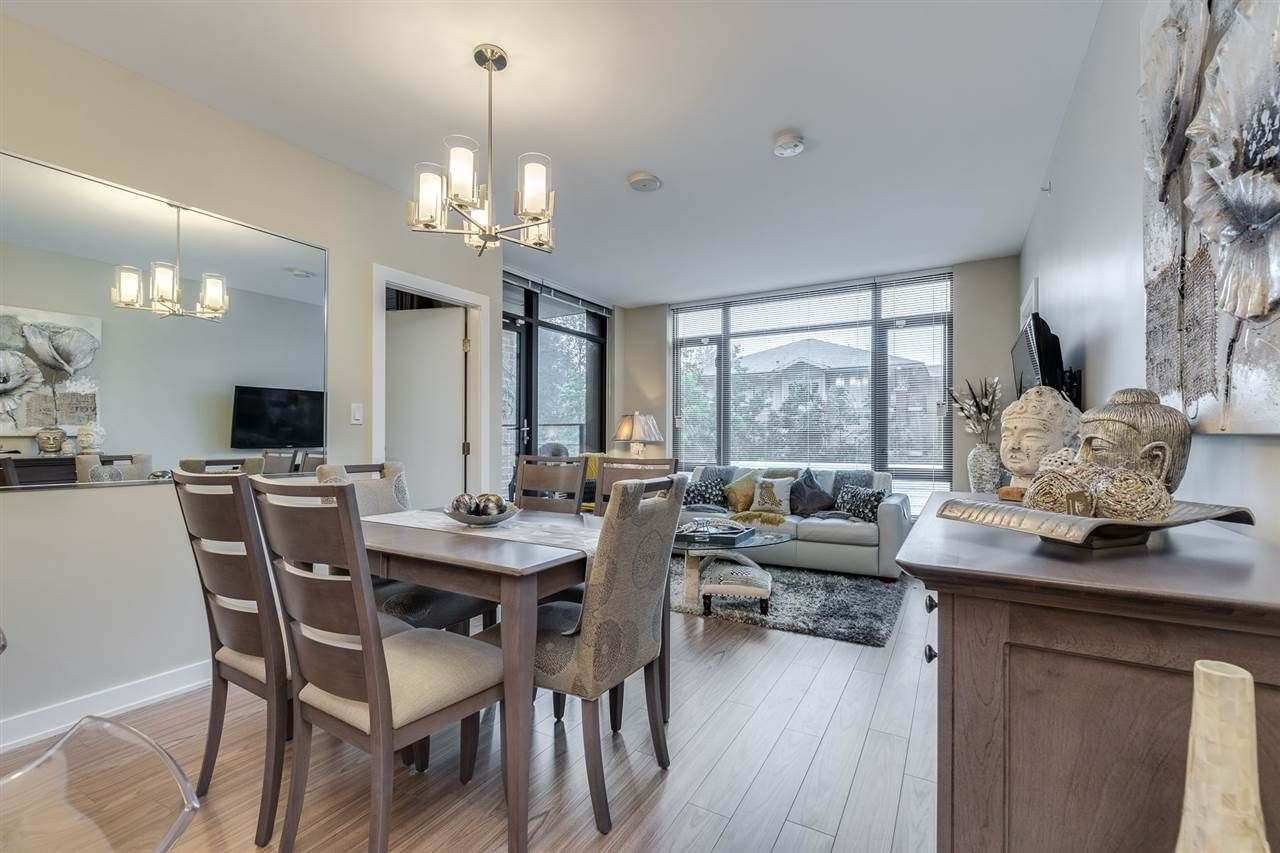 """Photo 5: Photos: 204 301 CAPILANO Road in Port Moody: Port Moody Centre Condo for sale in """"The Residences"""" : MLS®# R2474301"""