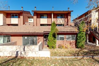 Photo 1: 1704 2520 Palliser Drive SW in Calgary: Oakridge Row/Townhouse for sale : MLS®# A1152877