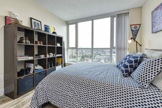 """Photo 9: 1402 125 MILROSS Avenue in Vancouver: Downtown VE Condo for sale in """"CREEKSIDE"""" (Vancouver East)  : MLS®# R2436108"""