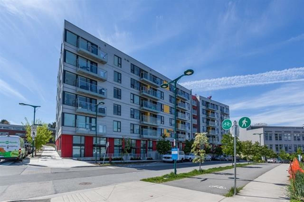 Main Photo: 320 384 E 1st Avenue in Vancouver: Strathcona Condo for sale (Vancouver East)  : MLS®# R2305911