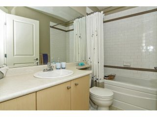 """Photo 18: 52 7155 189 Street in Surrey: Clayton Townhouse for sale in """"BACARA"""" (Cloverdale)  : MLS®# F1420610"""