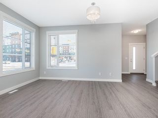 Photo 2: 166 SKYVIEW Circle NE in Calgary: Skyview Ranch Row/Townhouse for sale : MLS®# C4277691