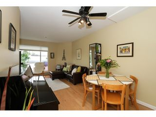 """Photo 2: 303 3505 W BROADWAY in Vancouver: Kitsilano Condo for sale in """"COLLINGWOOD PLACE"""" (Vancouver West)  : MLS®# R2086967"""