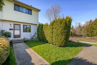 Photo 2: 15 5351 200 Street in Langley: Langley City Townhouse for sale : MLS®# R2550222