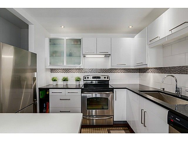 """Main Photo: 110 8680 LANSDOWNE Road in Richmond: Brighouse Condo for sale in """"MARQUISE ESTATES"""" : MLS®# V1069478"""