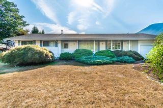 Photo 1: 410 7TH Avenue in Hope: Hope Center House for sale : MLS®# R2609570