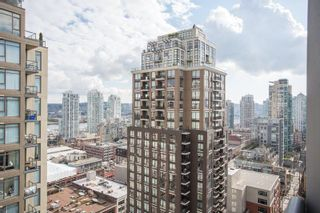 """Photo 13: 2006 1010 RICHARDS Street in Vancouver: Yaletown Condo for sale in """"The Gallery"""" (Vancouver West)  : MLS®# R2252672"""