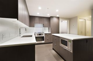 """Photo 5: 901 2888 CAMBIE Street in Vancouver: Mount Pleasant VW Condo for sale in """"The Spot on Cambie"""" (Vancouver West)  : MLS®# R2225455"""