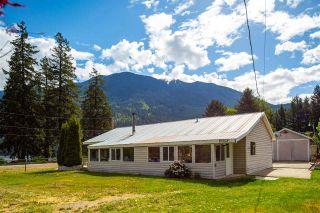 Photo 5: 10008 KOOCHA Road in Pemberton: D'Arcy House for sale : MLS®# R2580009