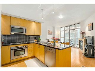 """Photo 1: 1403 1050 SMITHE Street in Vancouver: West End VW Condo for sale in """"THE STERLING"""" (Vancouver West)  : MLS®# V1092092"""