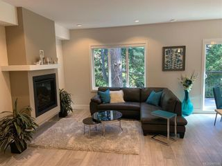 Photo 2: 2117 Echo Valley Pl in : La Bear Mountain Row/Townhouse for sale (Langford)  : MLS®# 845596