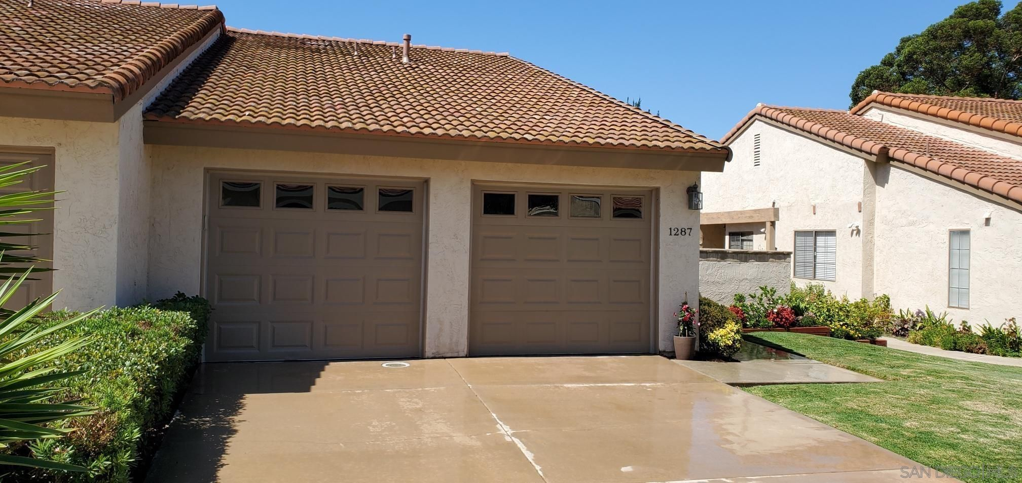 Main Photo: LAKE SAN MARCOS Twin-home for sale : 2 bedrooms : 1287 Granada Way in San Marcos