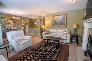 Photo 5: 19349 CUSICK Crescent in Pitt Meadows: Mid Meadows House for sale : MLS®# R2579444