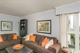 "Photo 3: 201 106 W KINGS Road in North Vancouver: Upper Lonsdale Condo for sale in ""Kings Court"" : MLS®# R2214893"