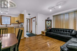 Photo 9: 638 Mckay AVENUE in Windsor: House for sale : MLS®# 21017569