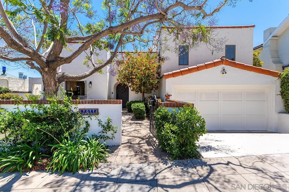Main Photo: MISSION HILLS House for sale : 4 bedrooms : 1911 Titus Street in San Diego