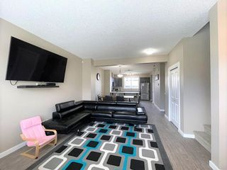 Photo 5: 2829 MAPLE Way in Edmonton: Zone 30 Attached Home for sale : MLS®# E4264154