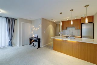"""Photo 10: 802 2982 BURLINGTON Drive in Coquitlam: North Coquitlam Condo for sale in """"Edgemont by Bosa"""" : MLS®# R2533991"""