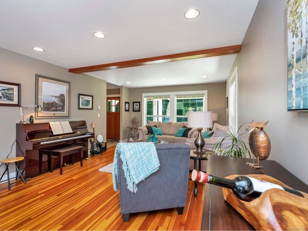 Photo 17: Photos: 925 Lilmac Rd in MILL BAY: ML Mill Bay House for sale (Malahat & Area)  : MLS®# 837281