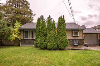 Photo 1: 7581 BIRCH Street in Mission: Mission BC House for sale : MLS®# R2216207
