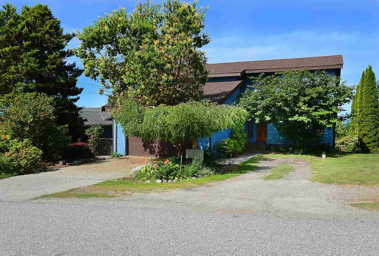 Photo 3: Photos: 5233 CHARTWELL ROAD in Sechelt: Sechelt District House for sale (Sunshine Coast)  : MLS®# R2155244