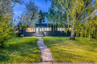 Photo 2: 18 Meadowlark Crescent SW in Calgary: Meadowlark Park Detached for sale : MLS®# A1113904