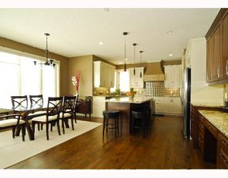 Photo 5: 60 EVERGREEN Row SW in CALGARY: Shawnee Slps Evergreen Est Residential Detached Single Family for sale (Calgary)  : MLS®# C3378995