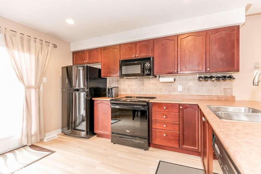 Photo 6: Photos: 28 KRAUS Road in Barrie: House for sale
