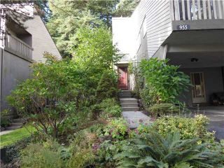 """Photo 1: 955 HERITAGE Boulevard in North Vancouver: Seymour Townhouse for sale in """"Heritage In The Woods"""" : MLS®# V1031683"""