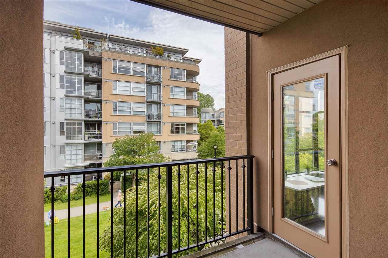 """Photo 17: Photos: 304 2175 SALAL Drive in Vancouver: Kitsilano Condo for sale in """"SAVONA"""" (Vancouver West)  : MLS®# R2460971"""