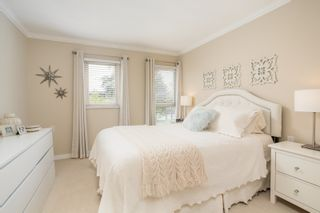 """Photo 13: 214 843 22ND Street in West Vancouver: Dundarave Condo for sale in """"TUDOR GARDENS"""" : MLS®# R2528064"""